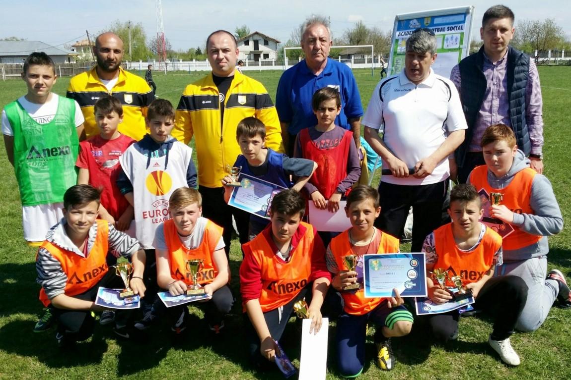 1 mai special! Academia de Fotbal Social merge la Gugesti si Cirligele